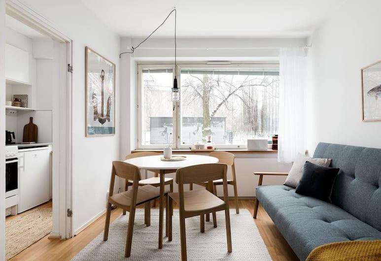 Central Design Studio Home, Helsingi, Design külaliskorter, 1 lai voodi ja diivanvoodi, vaade linnale, Elutuba