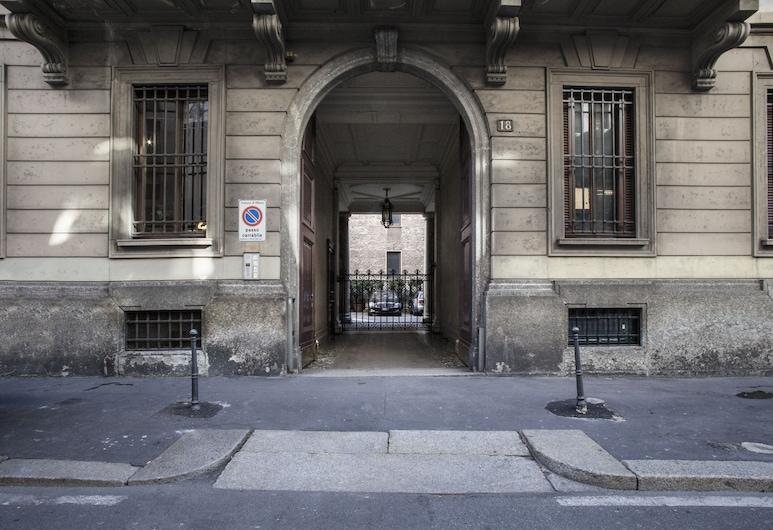 Hemeras Boutique House Aparthotel Montenapoleone 2, Milaan, Ingang van de accommodatie