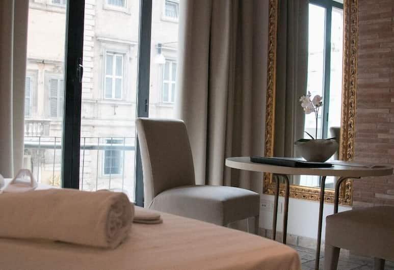 Hemeras Boutique House Aparthotel Pantheon, Rome, Studio (Emanuele I), Room