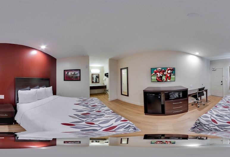 Red Roof Inn Houston - Willowbrook, Houston, Deluxe Room, 2 Queen Beds (Smoke Free, Kitchenette), Guest Room View