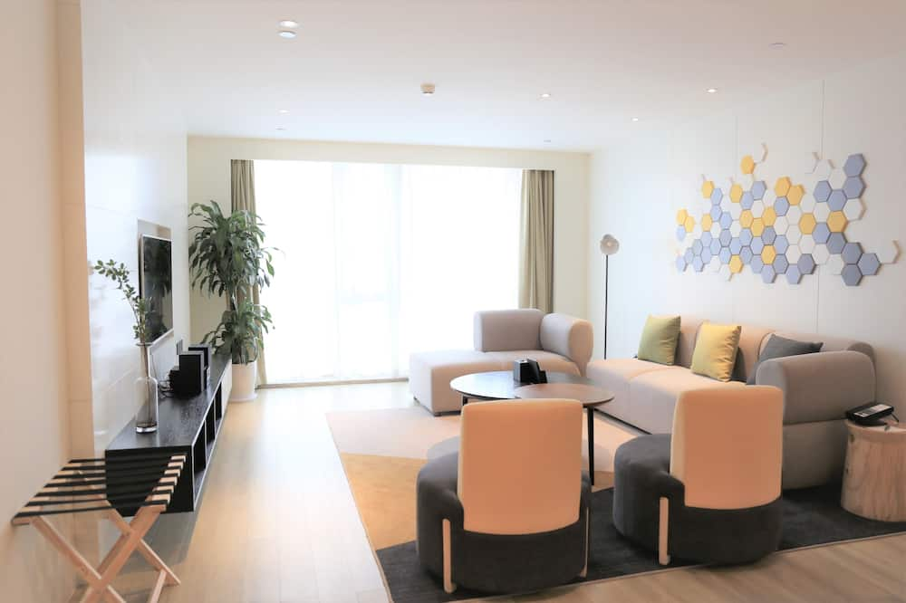 Executive Room, 3 Bedrooms - Living Room