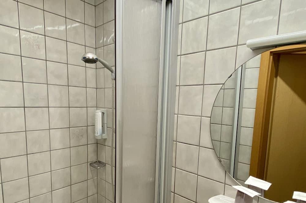 Honeymoon Double or Twin Room, 2 Twin Beds - Bathroom
