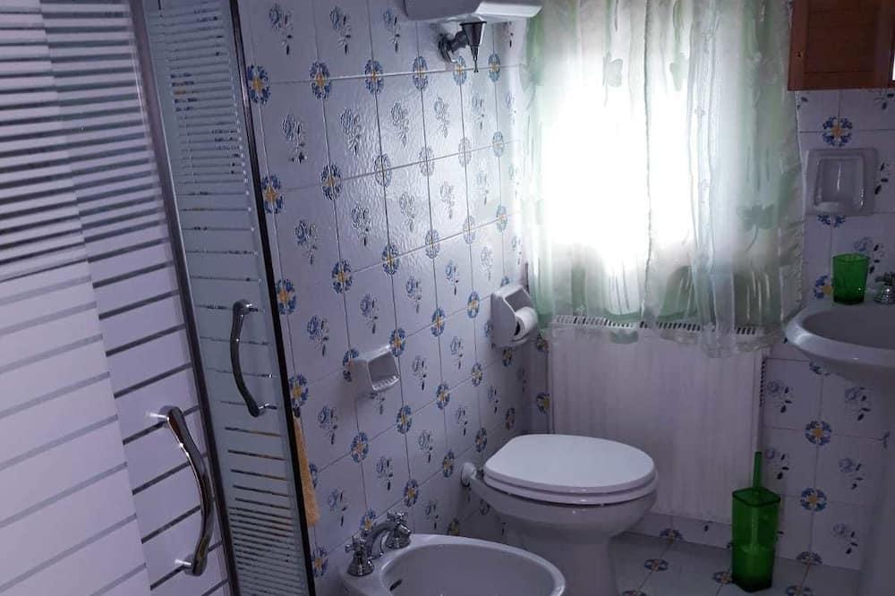 Апартаменты «Комфорт», 1 спальня, вид на сад - Ванная комната