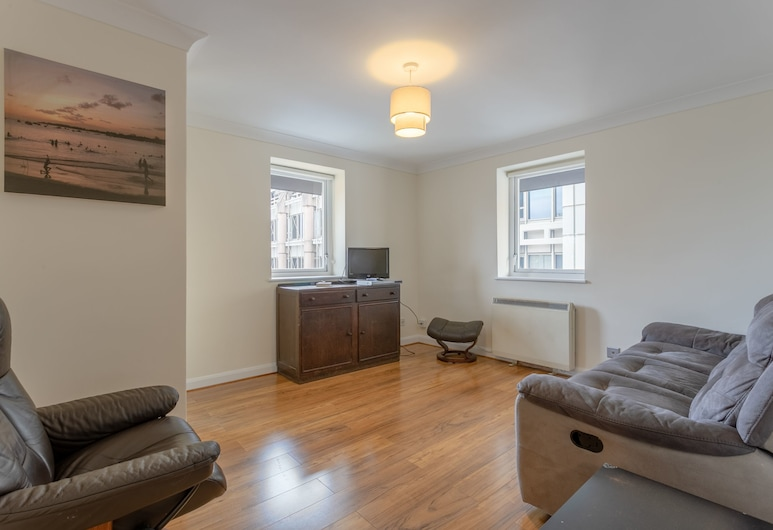 Two Bedroom in Amazing Location, London, Wohnzimmer