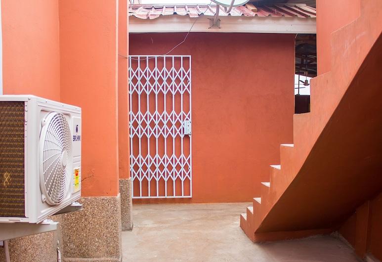 レクシス ロッジ, Accra, 施設の敷地