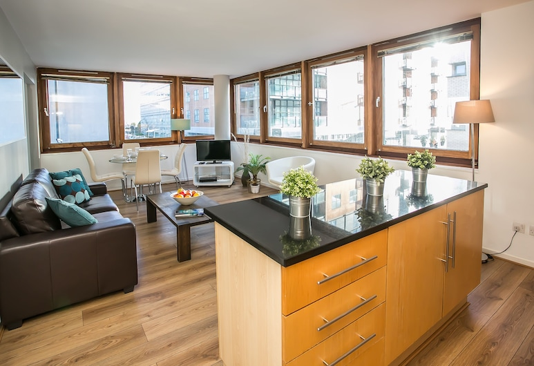 IFSC Townhouse Apartments, Dublin, Apartment, 2 Bedrooms, Living Room