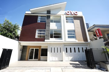 Picture of OYO 781 Erga Family Residence in Surabaya