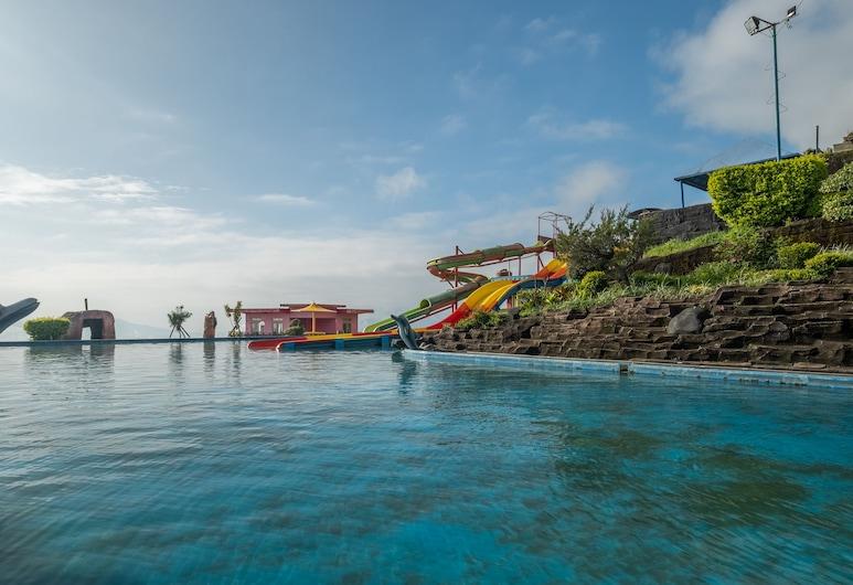 OYO 705 Puncak Darajat Resort, Cibuniherang, Kolam Renang Luar Ruangan