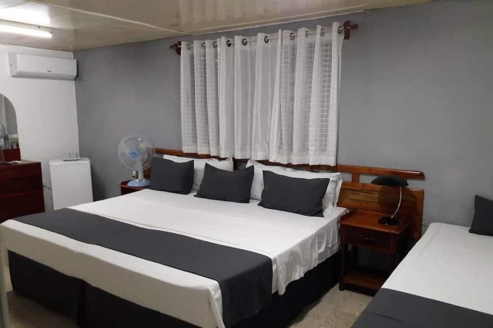 غرفة مزدوجة مريحة - عدة أسرّة - غرفة نزلاء