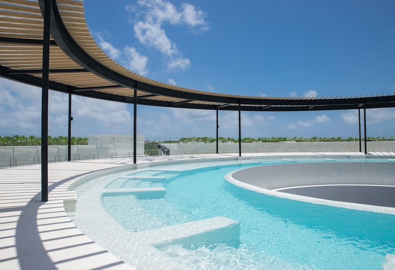 The Panoramic By Xperience Hotels, Tulum, Alberca en el piso superior