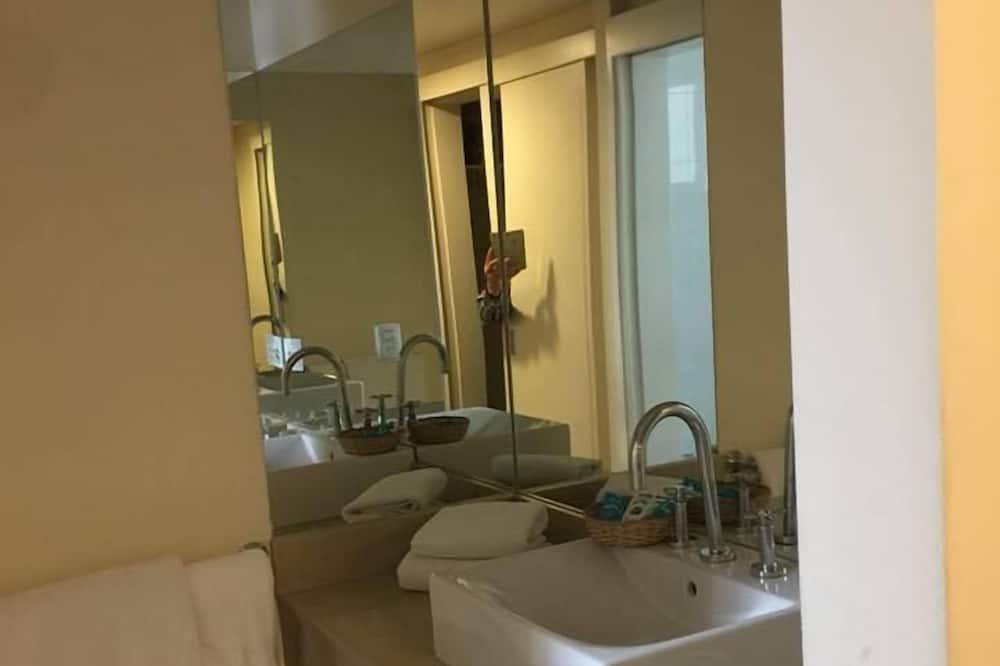 Izba typu Economy - Kúpeľňa