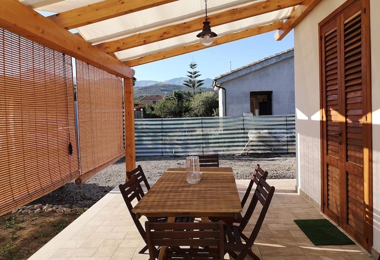 Il Fenicottero, Campofelice di Roccella, Villa, Terrace/Patio