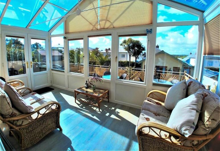 Meadow View Apartments, Newquay, Apartmán typu Deluxe, 2 spálne, terasa, Obývacie priestory