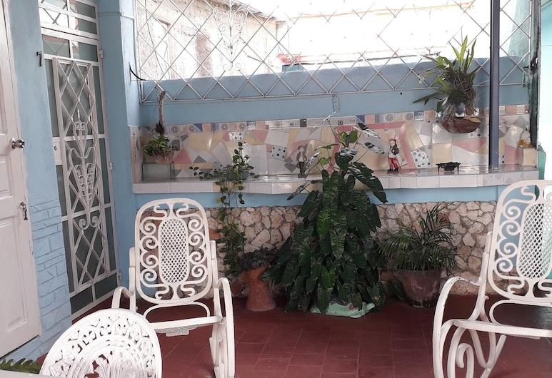 A&P Thugardem, Santiago de Cuba, Traditional Room, Bay View, Terrace/Patio