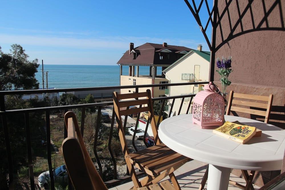 Monolocale, vista mare - Vista balcone