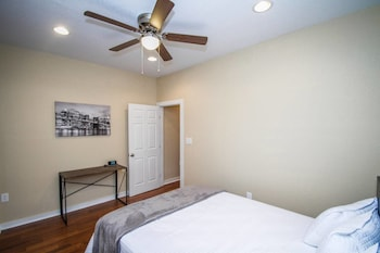 Picture of Hackberry St #A Renovated 2br/2ba Near Downtown in San Antonio