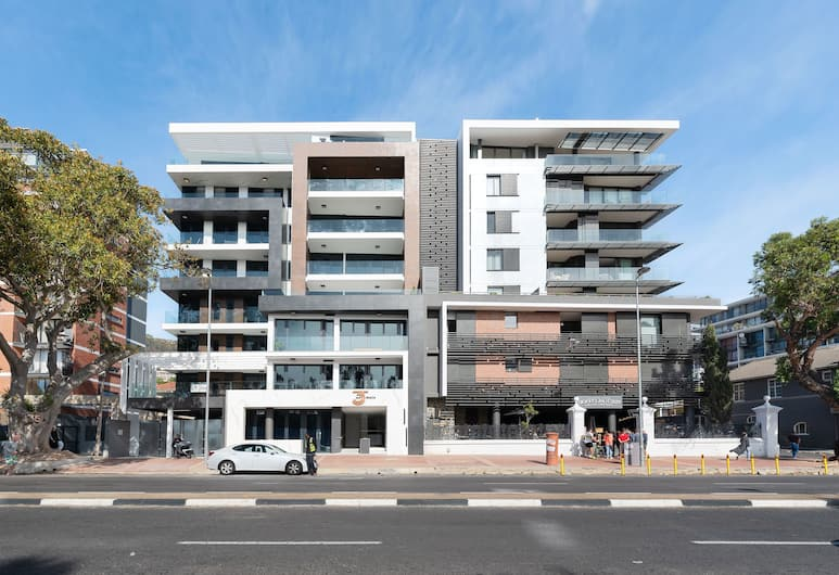 35 on Main 106, Cape Town