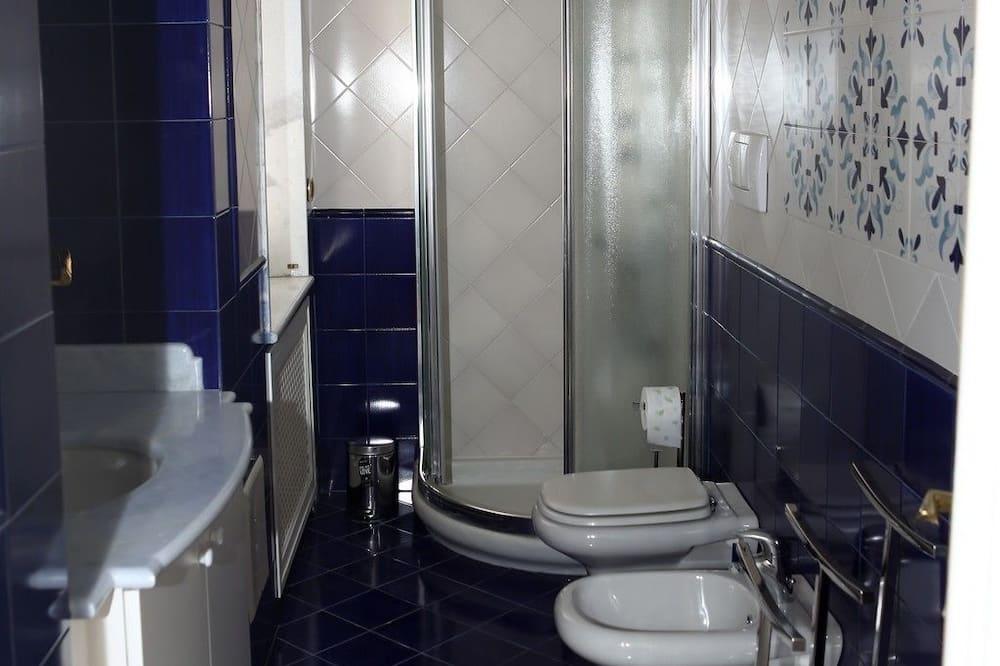 Classic Double Room (CAMERA BLU) - Bathroom