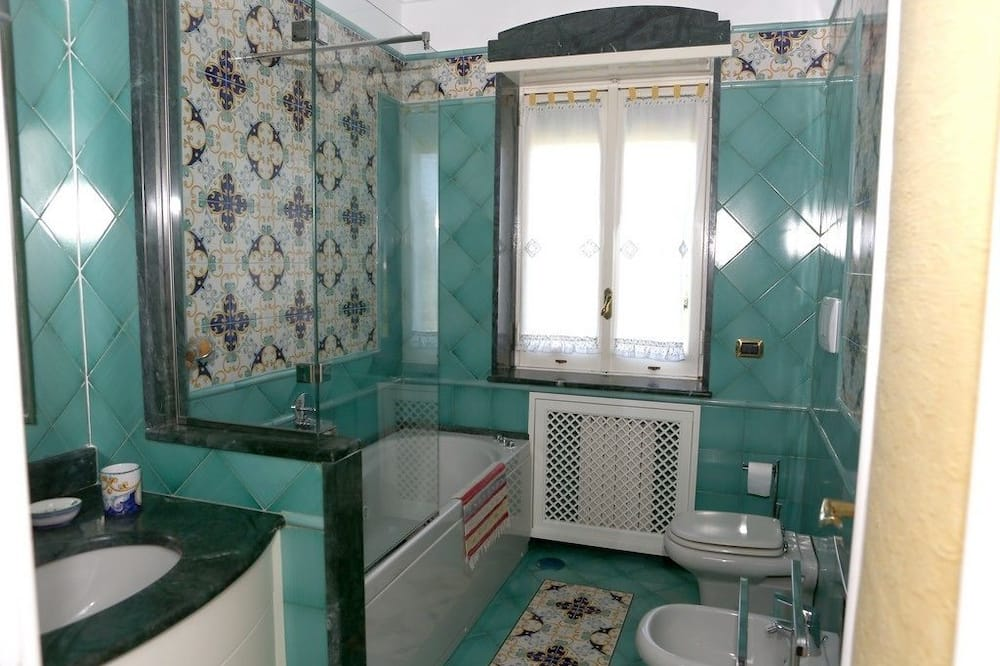 Double Room, Jetted Tub (CAMERA VERDE) - Bathroom