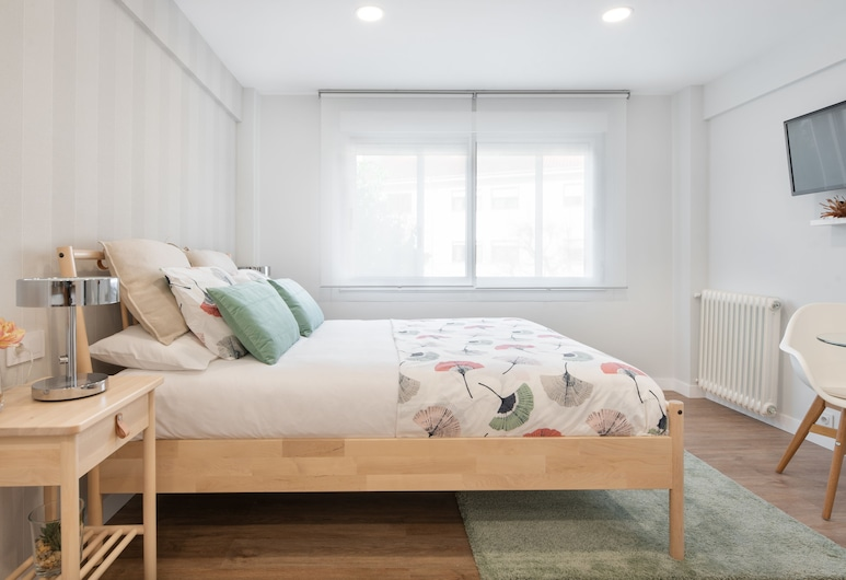 NC apartments, Santiago de Compostela, Comfort Studio, 1 King Bed, Room