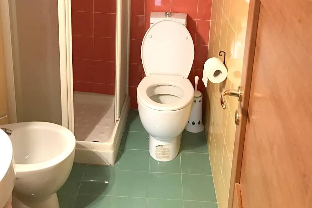 House - Bathroom Amenities