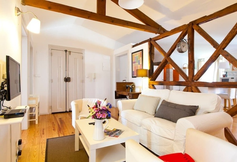 Glaring Tailor Made 2 Bedroom Apartment, Lisbon, Apartment, 2 Bedrooms, Living Area