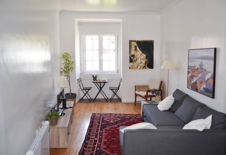 Family Apartment by the River, Lisbon