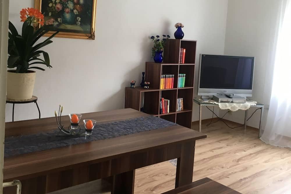 アパートメント 1 ベッドルーム (2. Stock) - 室内のダイニング