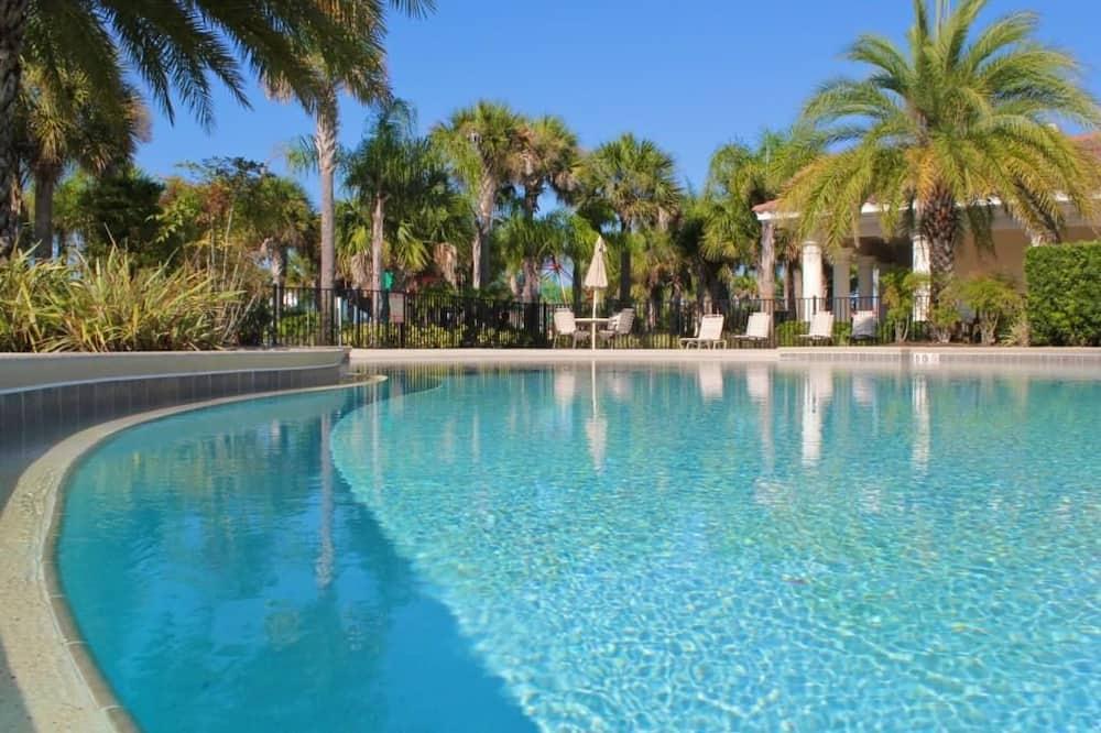 Apartment, Multiple Beds (3 bedroom OAKWATER Resort nearest DIS) - Outdoor Pool