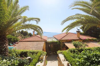 Skiatos — zdjęcie hotelu Villa Stratos Skiathos