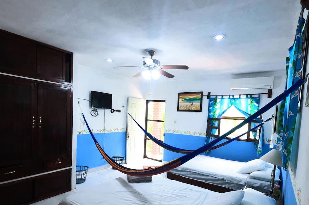 Comfort Apartment, 2 Queen Beds, Garden View - Room