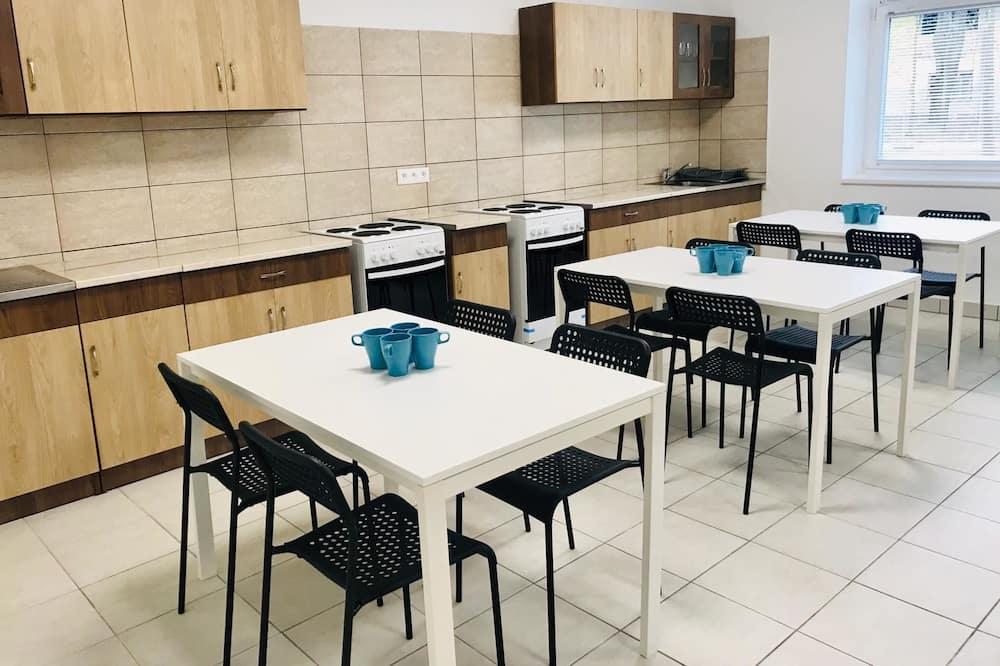 جناح - غرفتا نوم - مطبخ مشترك