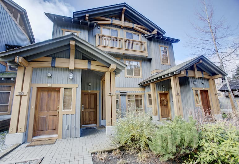 ResortQuest at Taluswood The Bluffs, Whistler, Exterior