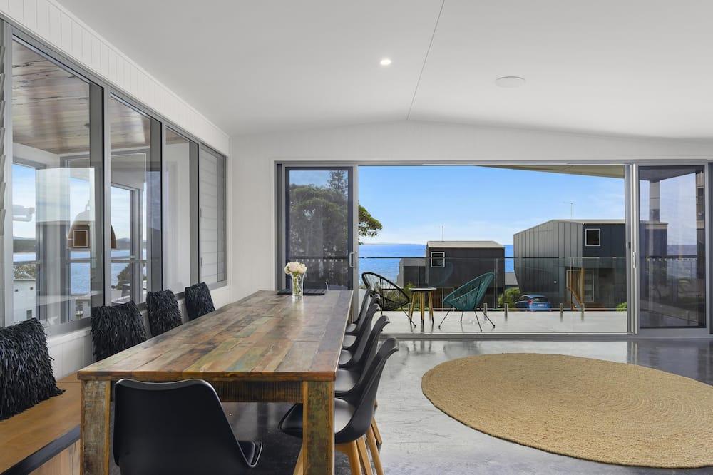Design House, Ocean View - Living Area