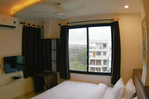 帕赫里宮飯店/