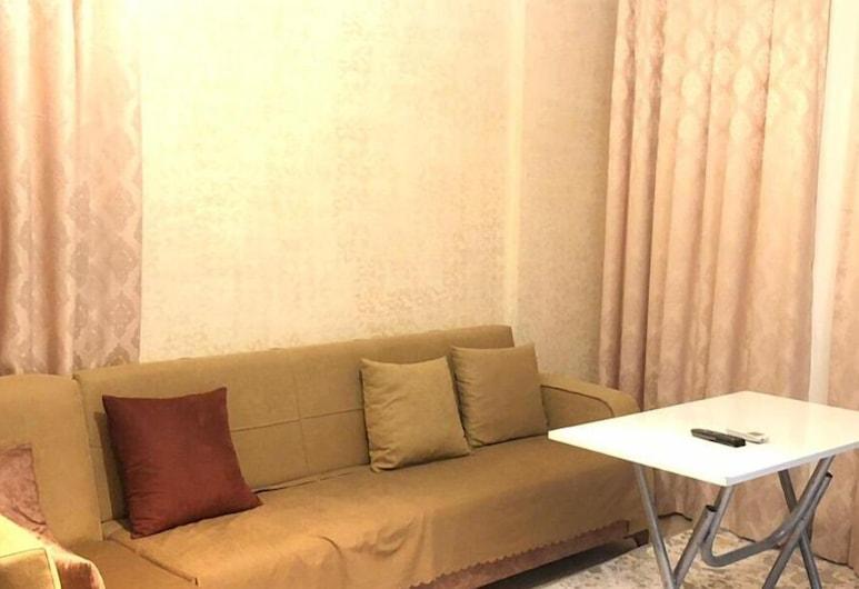 كانال بلس, ميرسين, شقة اقتصادية - غرفة نوم واحدة - منظر للجبل, غرفة معيشة