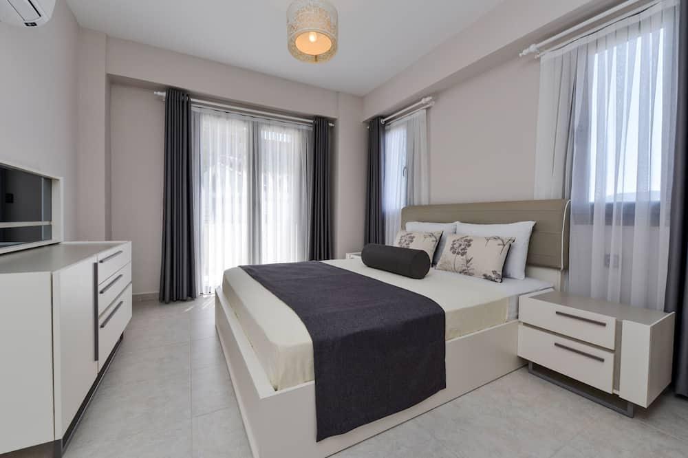 Villa, 4 Bedrooms, Sea View - Living Area