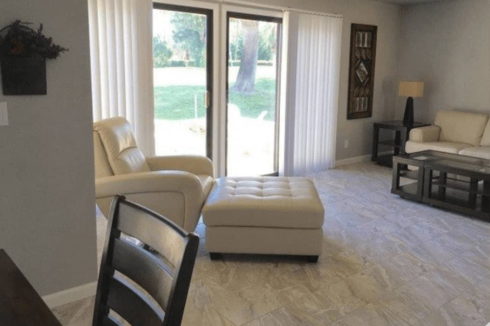 Luxury-Villa (3 Bedrooms) - Wohnzimmer