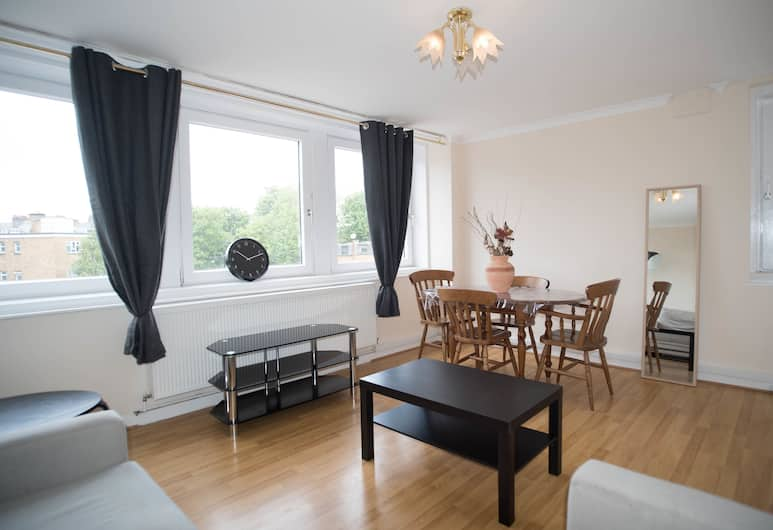 Cosy 2 bedroom Apartment Close to Hyde Park, London, Apartment, 2 Bedrooms, Living Area