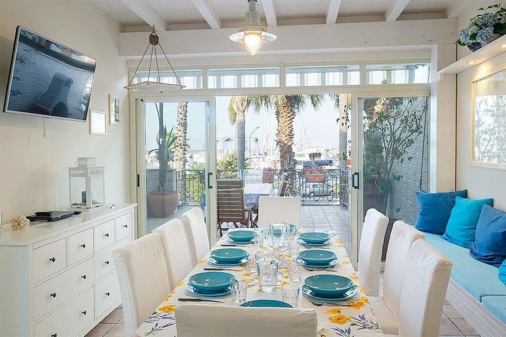 Villa – superior, terrasse - Bespisning på rommet