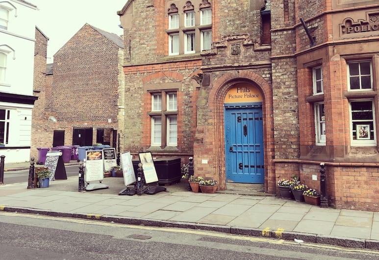 Lark Lane Rooms, Liverpool