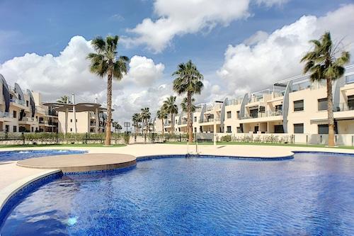 2つ��スイミングプール��無料��wifi、プールの隣のアパートメント、ビーチへの短い散歩/