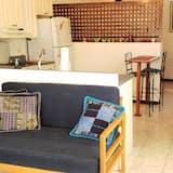 Deluxe Ev, 1 Büyük (Queen) Boy Yatak - Oturma Alanı