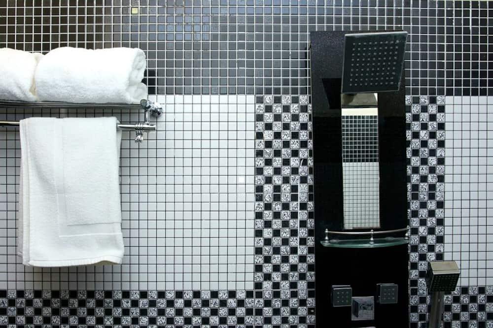Premium - kahden hengen huone - Kylpyhuoneen suihku