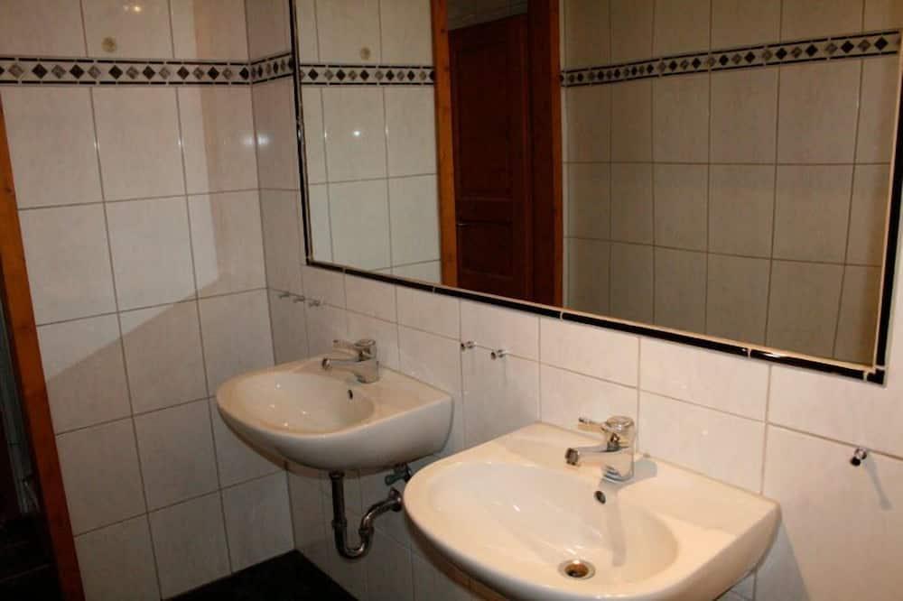 Fjölskylduherbergi (5-Bed-Room) - Baðherbergi