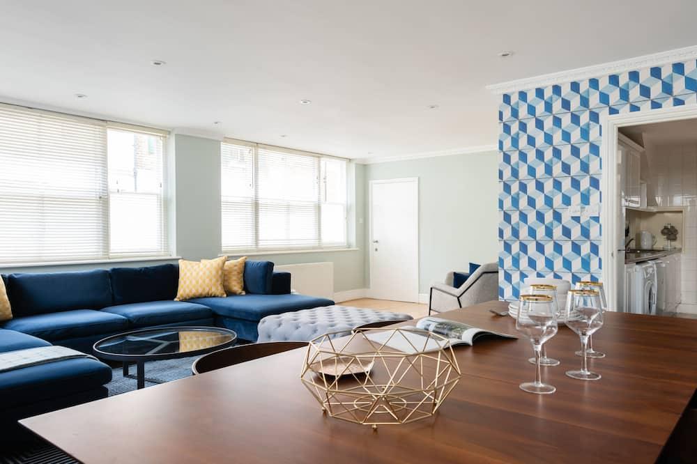 Будинок (6 Bedrooms) - Обіди в номері