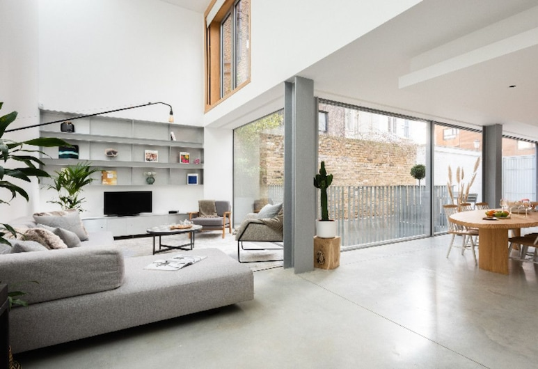 The Chelsea Walk - Modern & Bright 3bdr House With Rooftop & Parking, London