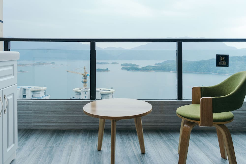 Deluxe Apartment, Lake View - Lake View