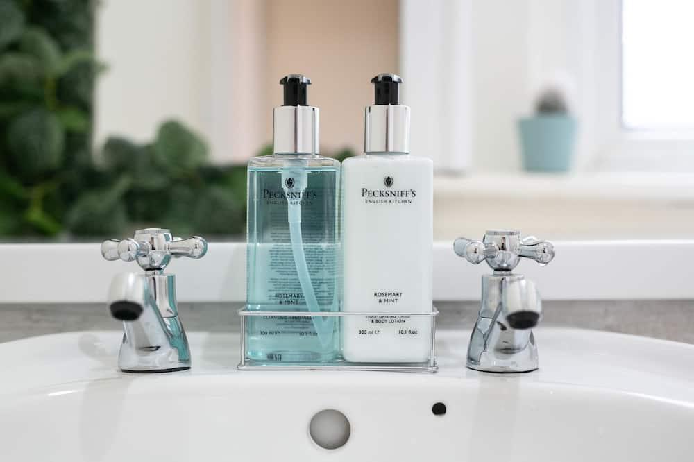 House, 3 Bedrooms - Bathroom Amenities