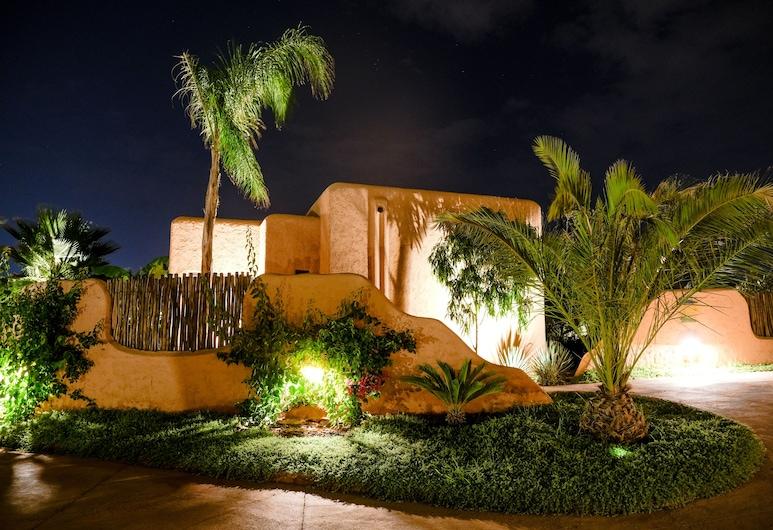 Oasis Lodges, Marrakech, Hotel Front